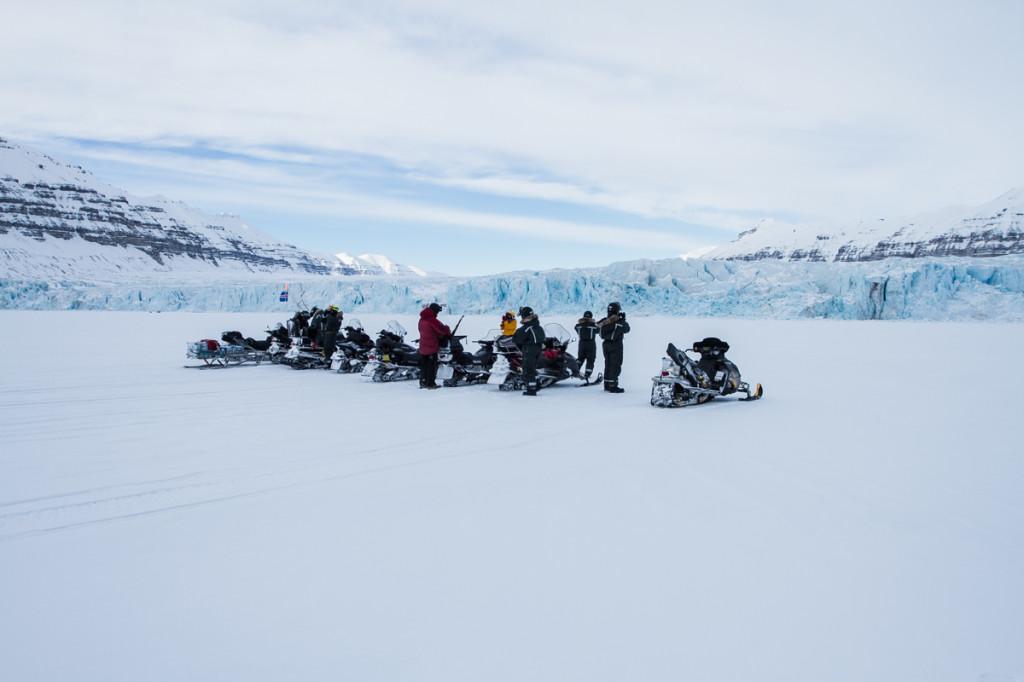 Tunabreen glacier front
