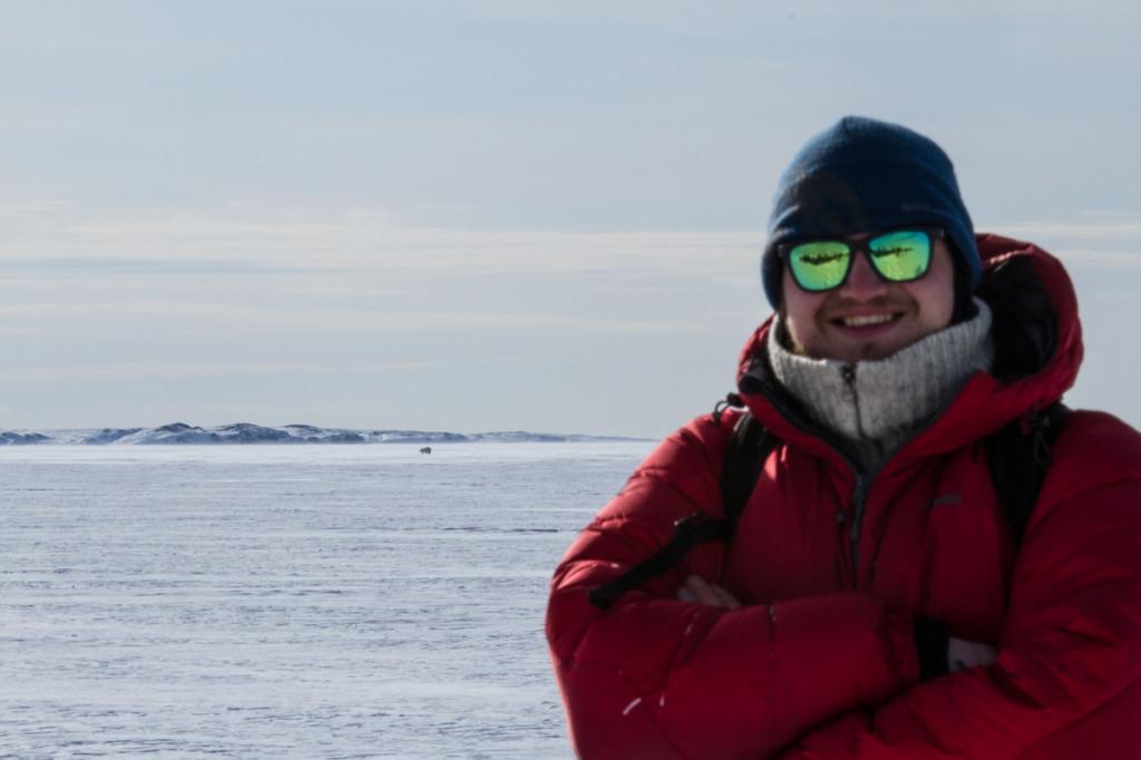 Ski Arktis, sun, Sunski and a polar bear